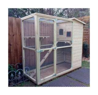 Cat Run with Cat House Compact